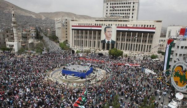 manifestation-de-soutien-au-president-syrien-bachar-al-assad-le-7-avril-2012-a-damas_928438