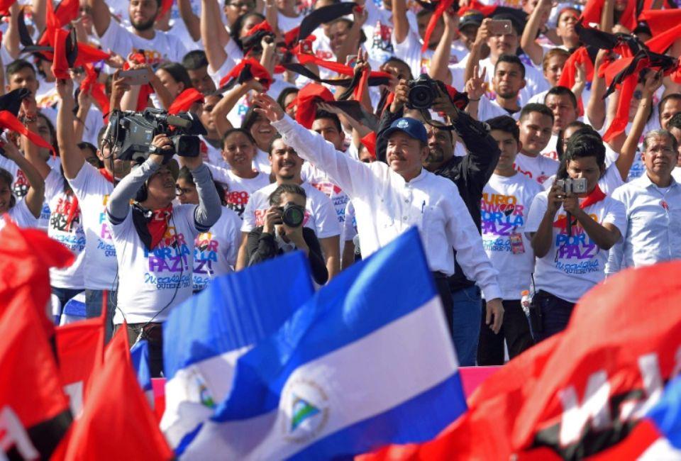 Fernando Lugo - l'Amérique latine - Page 2 1142255-le-president-daniel-ortega-lors-d-un-rassemblement-de-ses-partisans-pour-le-39e-anniversaire-de-la-r
