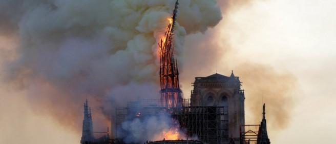 Notre-Dame de Paris ravagé par les flammes